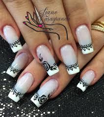 white detail nails2