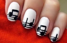 white detial nails3